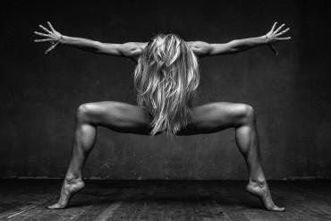 Fotografia artística do movimento da dança pelo olhar do fotógrafo Alexander Yakovlev